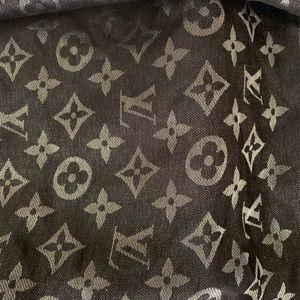 Louis Vuitton Accessories - Louis Vuitton scarf 🖤